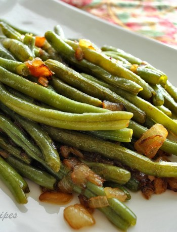 Sauteed Green Beans with Onions