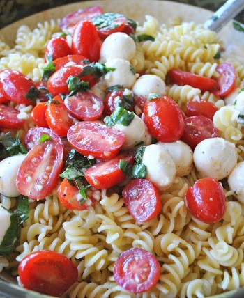 Easy Pasta Salad with Bocconcini by 2sistersrecipes.com