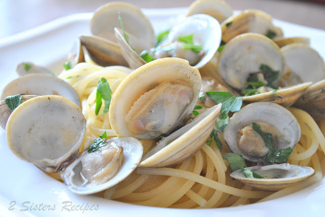 Little Neck Clams in Wine and Garlic Broth