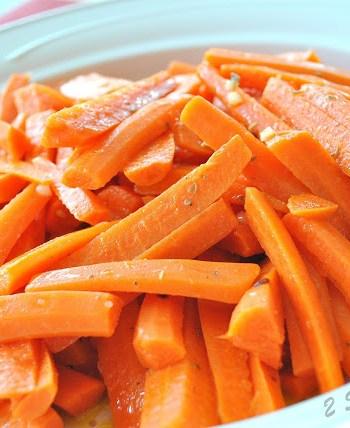 Maria's Best Carrot Salad, by 2sistesrecipes.com