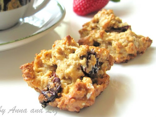 Healthy Oatmeal Cranberry Nut Cookies by 2sistersrecipes.com