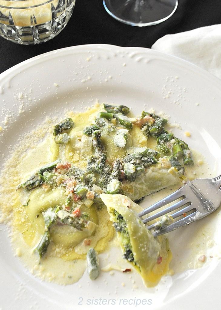 Spinach Ravioli with White Cream Asparagus Sauceby 2sistersrecipes.com