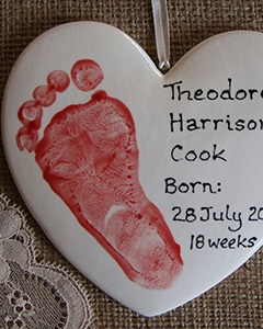 2Spots-Ceramics-painted-footprint-heart