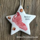 Red Footprint Star with Robin Toeprints