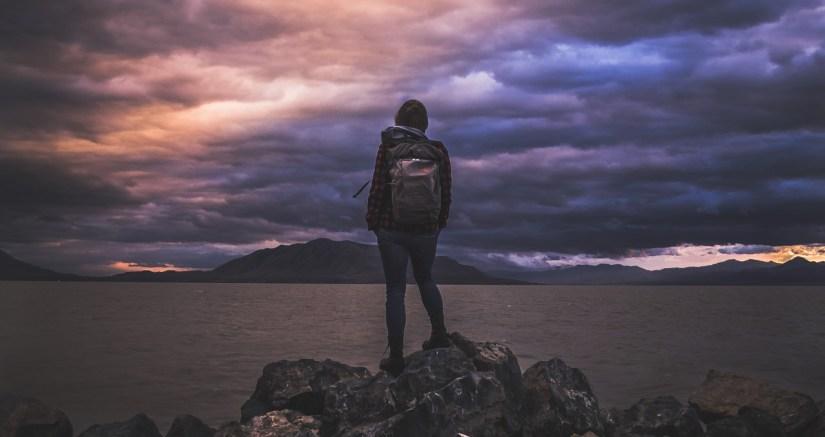 woman mountains_Free-Photos