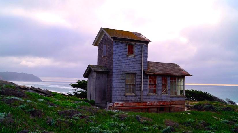 cottage-seaside_Free-Photos