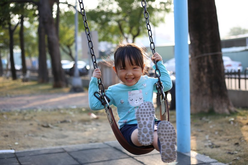 swing-child-blue_elton800