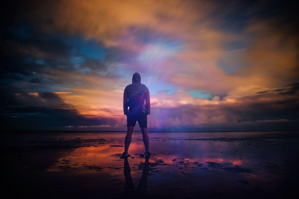 Man-sunset_zoltan tasi