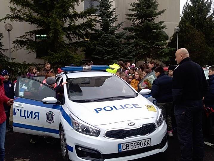 В Районното полицейско управление – представителна изява на ученици