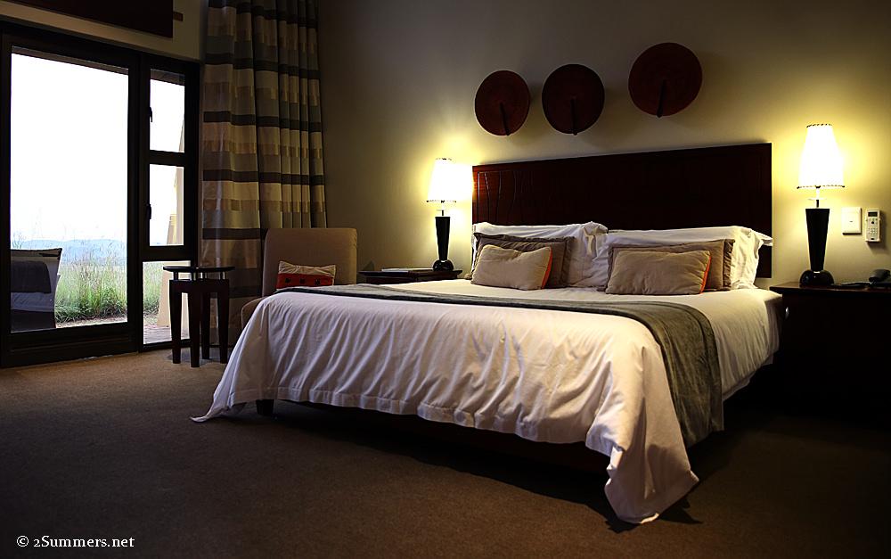 Maropeng hotel room