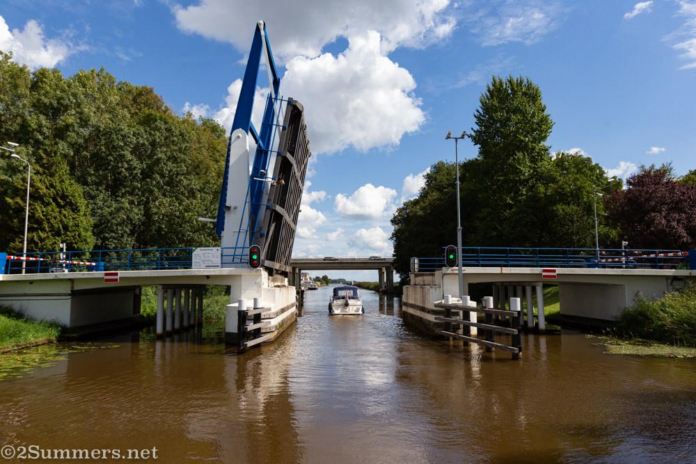 Dutch drawbridge