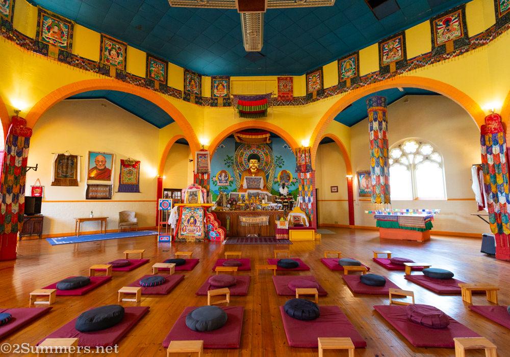 Inside the Buddhist Centre in Fietas