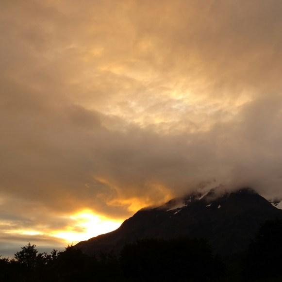 Nur der Sonnenuntergang, kein Waldbrand