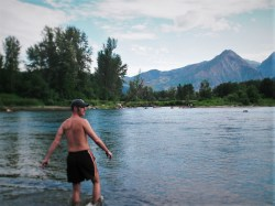 Chris Taylor Swimming in Wenatchee River Leavenworth WA 2traveldads.com