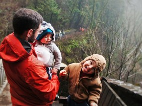 Chris Taylor and dudes at Multnomah Falls Columbia Gorge Oregon