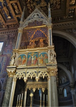 San Giovanni Laterano transcept alter Rome from WyldFamilyTravel 2traveldads.com (1)