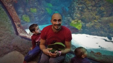Rob Taylor and Dudes in Shark Tube at Denver Downtown Aquarium 1