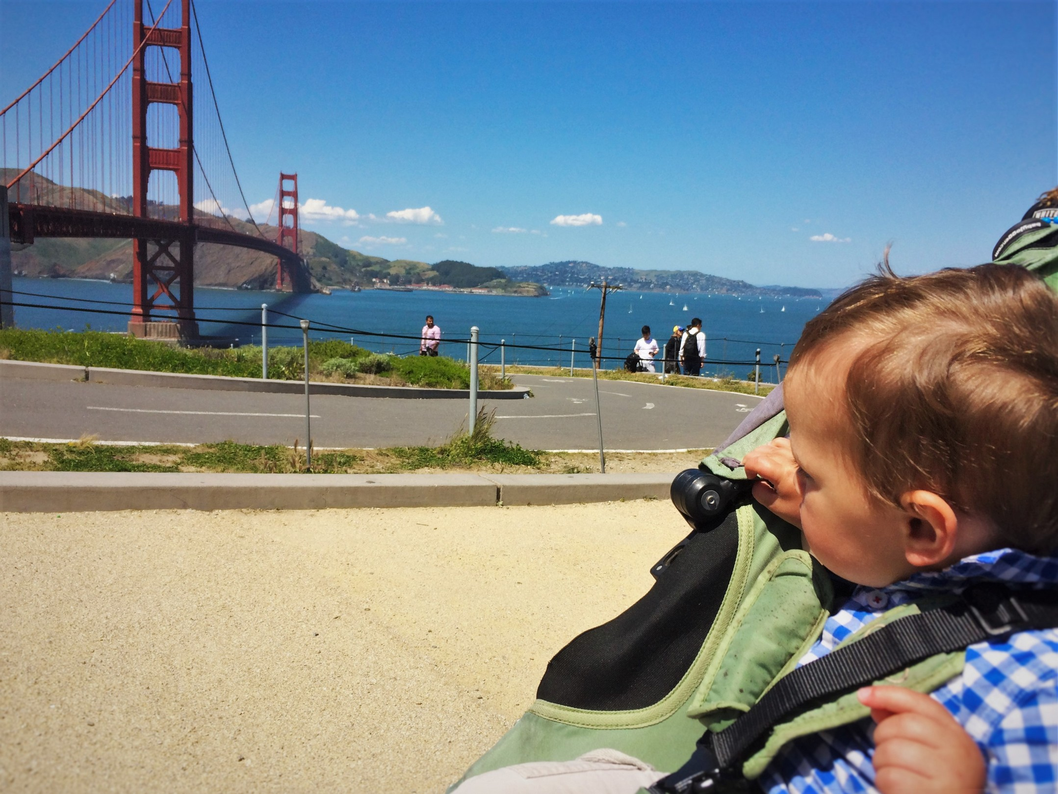 TinyMan and Golden Gate Bridge from Welcome Center GGNRA 1