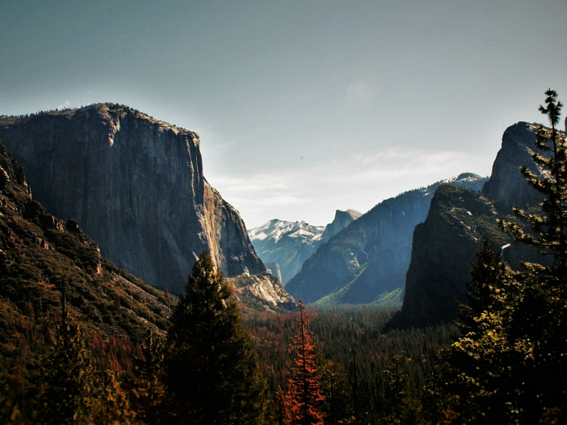 Yosemite Valley from Tunnel View in Yosemite National Park 2traveldads.com (2)
