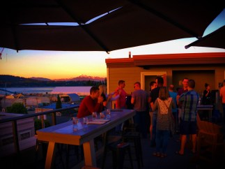 Rooftop Bar of Majestic Inn Anacortes 2e