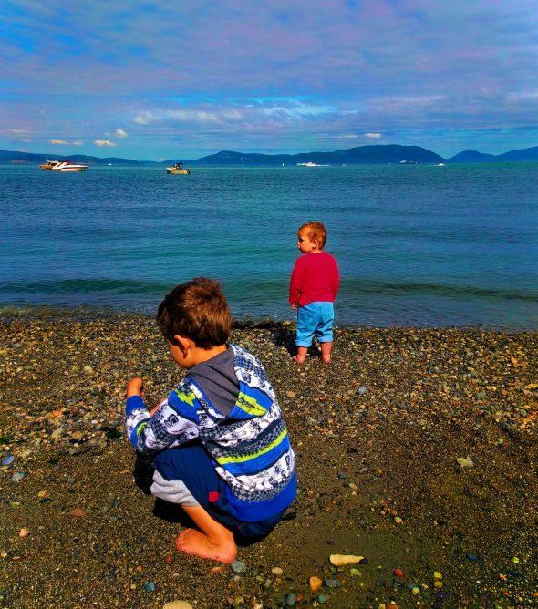 Taylor kids at Beach at Washington Park Anacortes 1