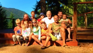 Taylor Family at Lake Cushman family reunion HowWeFamily 1
