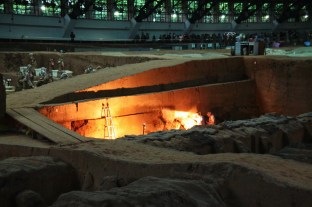 archaeological-dig-at-pit-1-at-terracotta-warriors-xian-china-1