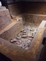 broken-pieces-at-pit-3-terracotta-warriors-xian-china-1