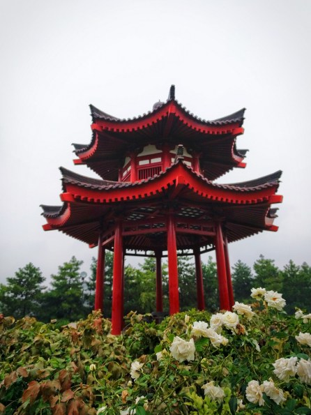 chinese-gazebo-at-giant-wild-goose-pagoda-1