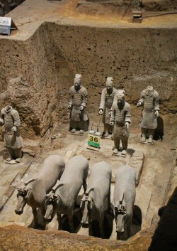 pit-3-at-terracotta-warriors-xian-china-1