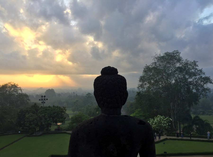 Sunrise Buddha Borobudur Mum-on-the-move-blog-1