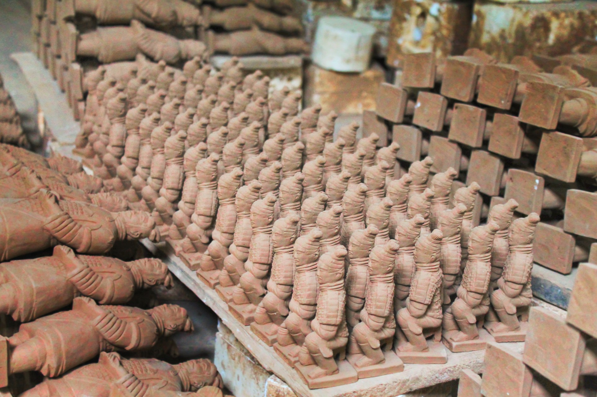 terracotta-soldiers-in-kiln-xian-1