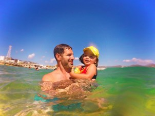Chris Taylor and TinyMan swimming at Cannery Beach Cabo San Lucase 4