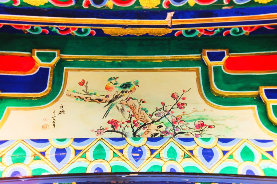 Colorful birld mural in Buddhist temple Chinese Painting Taibai Mountain National Park 1