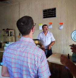 Purchasing small batch coffee roasted in La Paz Baja California Sur 1