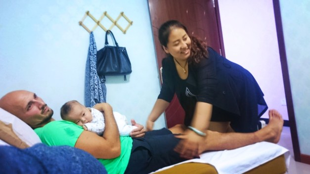 Rob Taylor getting Chinese Massage in Baoji 1