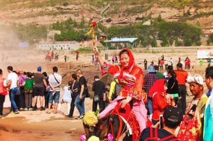 Visitors to Hukou Falls National Park Shaanxi 1