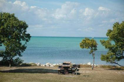 Biscayne NPS media image 1 Elliott Key picnic area