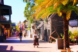 Pirate lady on St George Street Downtown St Augustine 1