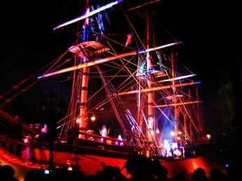 PIrate Ship in Fantasmic Disneyland 1