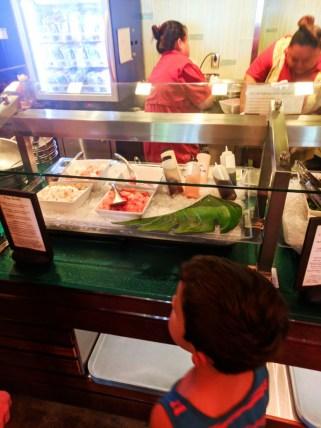 Poke bar Ulu Cafe at Disney Aulani 1