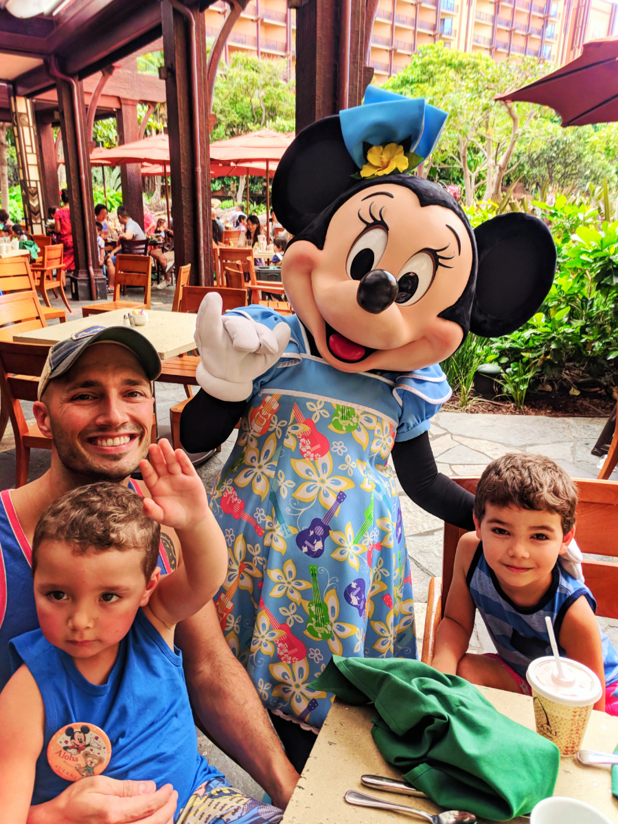 Taylor Family with Minnie Mouse Character Dining at Disney Aulani 1