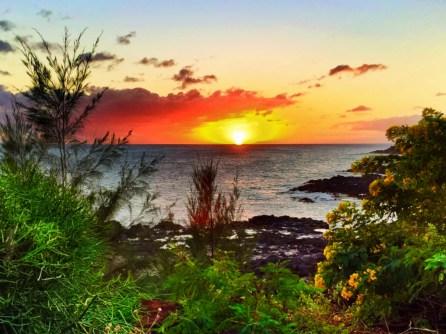2DadsWithBaggage Spouting Horn sunset Kauai Hawaii 1