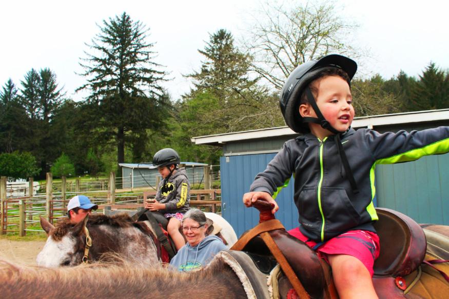 Taylor Family at C & M Stables horseback riding Florence Oregon Coast 8
