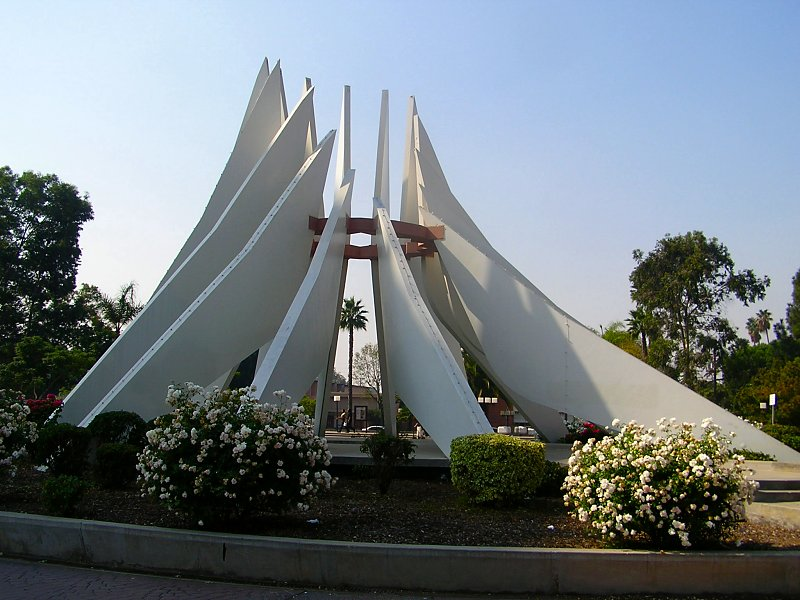 Compton_martin_luther_king_monument