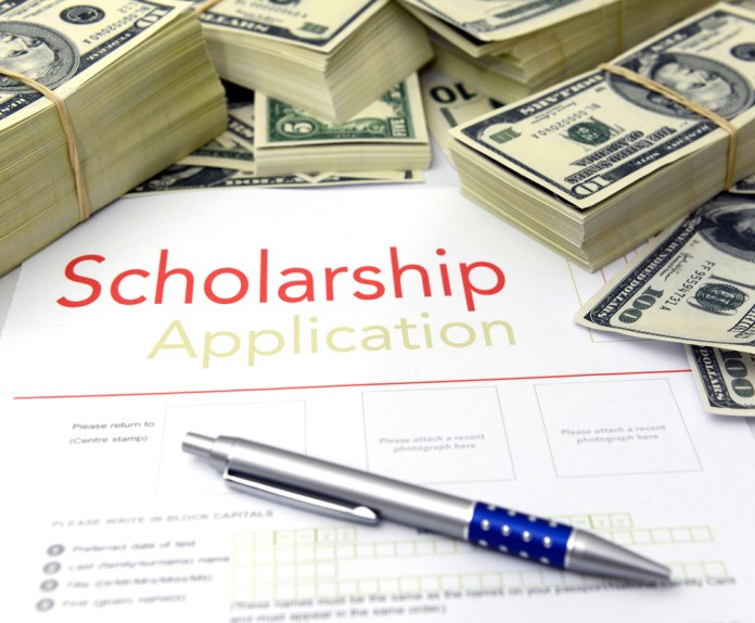 Rusty Tweed Shares How to Use Social Media to Find Scholarships