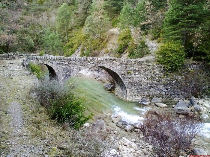 Puente de Morillo sobre el río Yesa (fuente: jaime_zgz)