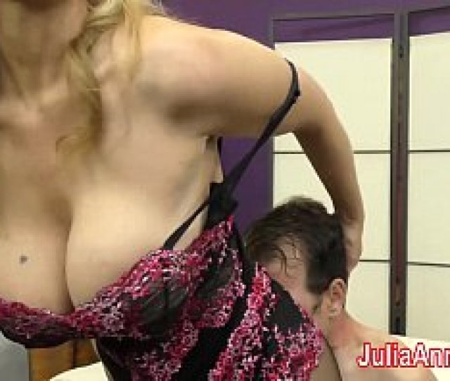Mummy Julia Ann Taunts Victim With Her Soles