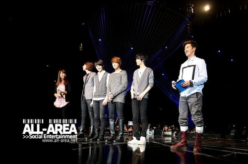 [051110] CN Blue @ PD Radio Concert (Thailand) (more…)