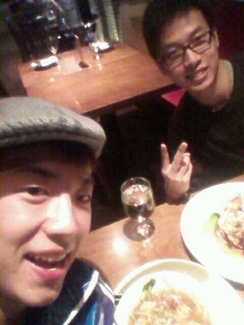 110117 Wooyoung's Twitter  Dinner w. @ianchoe왤케빨리가냐ㅠ Dinner w. @ianchoeWhy are you leaving so earlyㅠ